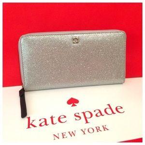 😍 NWOT Kate Spade silver glitter wallet